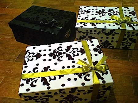 Gift Wrap :  black birthday gift wrapping